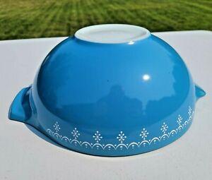 Vintage Pyrex SNOWFLAKE GARLAND Blue & White 444 4-Quart Mixing Cinderella Bowl