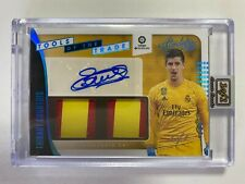 2019-2020 Chronicles Soccer: THIBAUT COURTOIS Tools Of The Trade Auto 1 of 1