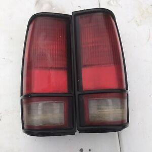Pair Tail Light for 83-94 Chevrolet S10 Blazer 92-94 GMC Jimmy LH RH Black Trim