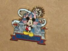 ANO1: DISNEY Mickey Mouse with Disneyland Castle 3D Pin