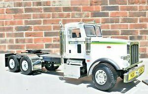 Ertl JOHN DEERE Peterbilt 367 Semi Cab 1:16 Scale Large Detailed Modeled Truck