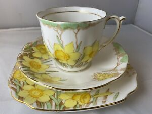Vintage Bell Fine China England SpringMorn Cup Saucer & Plate Spring Morn