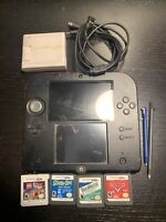 Nintendo 2DS Launch Edition Red and Black +4 Games+ Stylus+charger+8gb
