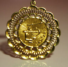 Beautiful Zodiac Medallion Sagitario 18K yellow Gold Nice Design Around Mint