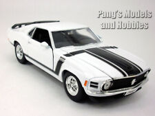 Ford Mustang Boss 302 1970 1/24 Diecast Metal Model by Welly - WHITE