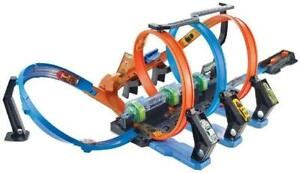 Hot Wheels FTB65 Action Korkenzieher Crash Trackset Rennbahn mit 3 Loopings