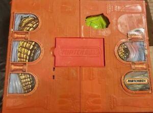 Matchbox CROC ADVENTURE Pop Up Play Set Case Toy Mattel 2008 D-2