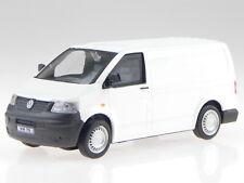 VW T5 GP Kasten 2010 weiss Modellauto in Vitrine Cararama 1:43