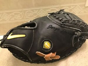 "Nike Pro Gold CMFS 34"" Jorge' Posada Baseball Catchers Mitt Right Hand Throw"