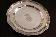 Plat de style Louis XV en métal argenté signé CHRISTOFLE décor blason armoiries