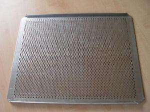 Backblech gelocht 340x430mm, unbeschichtet