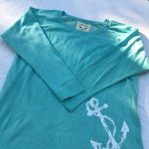 Women's NWOT Vineyard Authentic Vintage Crew Shirt Size Large