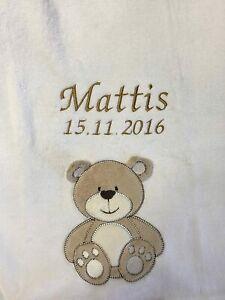 Babydecke bestickt mit Name und Datum weiß mit Bär Kuscheldecke Bettdecke Teddy