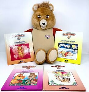 Vintage 1985 Teddy Ruxpin World Of Wonder Talking Bear with 4 Books