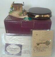 WDDC Enchanted Places The Three Little Pig`s Fiddler Pig`s Stick house COA & Box