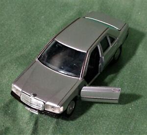 Gama Mercedes 190 - 19E Die Cast Toy Car