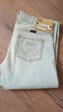 * WRANGLER Eve Damen Jeans Stretch Flare Low Waist W27 L34 Aloha Bleach NEU ***
