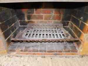 Art Deco Cast Iron Fire Grate, 1sb