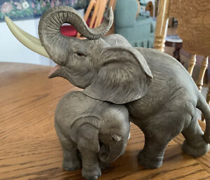"""Elephant w Her Baby Statue Figurine 8""""x6"""" by Andrea Sadek #7870 Mint Collectible"""