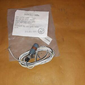 Aircraft Parts SCOTTISH AVIATION BULLDOG COCKPIT INSTRUMENT PANEL PILLAR LAMP