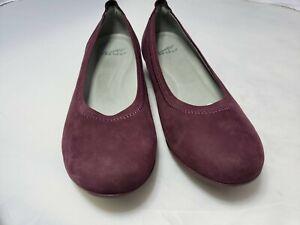 Dansko size 8.5/39, burgundy suede shoes