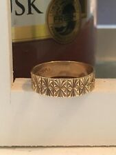 LOVELY VINTAGE 9ct GOLD ENGRAVED 5mm WEDDING BAND RING SIZE M