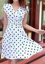 robe blanche à pois sexy décolleté