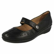 100% Leather Wide (E) Floral Flats for Women