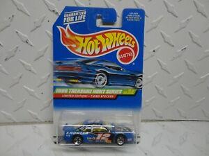1999 Hot Wheels Treasure Hunt #930 Blue T-Bird Stocker