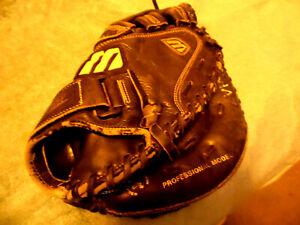 Mizuno Franchise Series MFR C202 Blk Leather Catcher's Mitt  RHT Pro Mdl