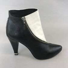 DIESEL STYLISH WOMENS BLACK & WHITE LEATHER ANKLE ZIP UP HEELS BOOTS SIZE 40 UK7