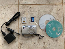 Nikon Coolpix S3500 Digital Camera In Very good condition with battery