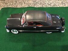 Maisto 1:18 1950 Ford Convertible Diecast