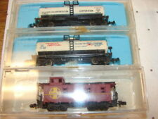 LOT N SCALE TRAIN CARS ROLLING STOCK 3 CABOOSE & CHEMICAL TANK TANKER CARS