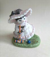Kitty Cucumber Ellie 'taking aim'  Porcelain Figurine B.Shackman 1992