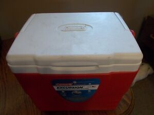 RED COLEMAN EXCURSION PORTABLE COOLER.  10.5 X 8 X 11.  9 QUART