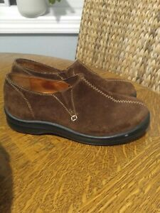 Footprints by Birkenstock Brown Suede Slip On Shoes Size 38 US size 7 GREAT COND