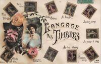 Cartolina Langage des Timbres  foto di donna con fiori