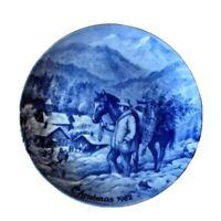Bringing Home the Christmas Tree Blue Plate  CHRISTMAS Kaiser Porcelain 1984