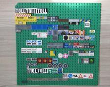 LEGO® Grundplatte Grün 32x32 Fliesen Sticker beklebt Polizei Schilder Flugzeug
