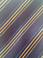 Cravate en soie neuve à rayures