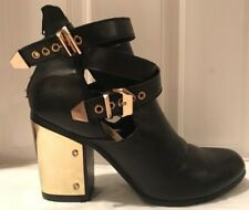 JustFab Black Ankle High Heel Buckled Ankle Boots / Booties Metal Detail Size 9