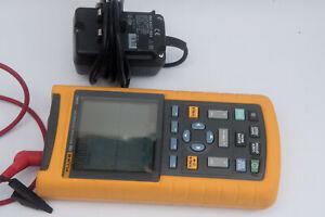 Fluke 123 Industrial ScopeMeter 20MHz  HandHeld Oscilloscope Dual DMM
