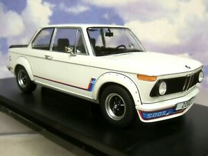 EXCELLENT MCG MODEL CAR GROUP 1/18 DIECAST 1973 BMW 2002 TURBO IN WHITE MGC18148