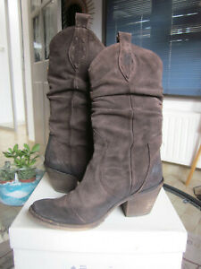 BOOTS REQINS COLLECTION