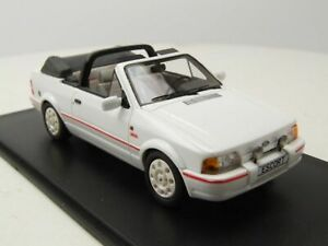 NEO 1:43 1986 Ford Escort Mk 4 RS XR3i cabriolet in white