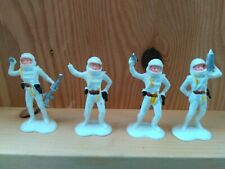 "1970s LP ""IDL"" brand vintage astronauts hong kong plastic figure toy HTF"
