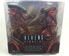 Aliens & Predators NECA 2 Pack Action Figures Genocide Big Chap + Dog Alien 18cm