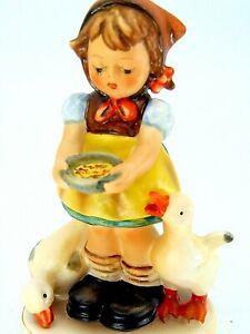 COLLECTIBLE DUCKS FEED GIRL FIGURINE 4-1/4 FARM HUMMEL W GERMANY HOME DECORATIVE