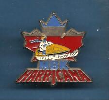 Pin's pin FEUILLE D'ERABLE DU CANADA SCOOTER DES NEIGES MBK HARRICANA (ref 037)